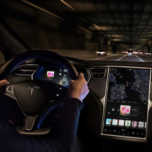 Tesla Batal Menambahkan Eye-Tracking pada Sistem Autopilot Model 3