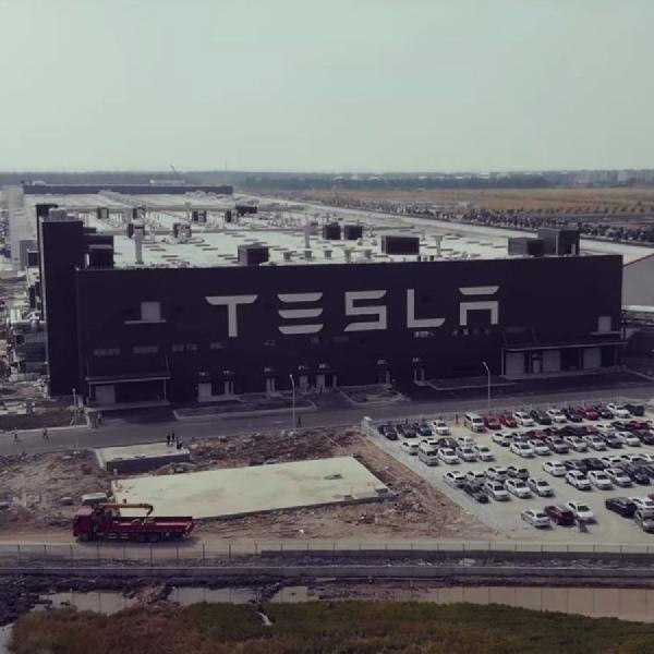 Tesla Ingin Desain Mobil Khas China