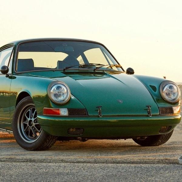 Porsche 911 Lawas ini Berubah Jadi Mobil Listrik