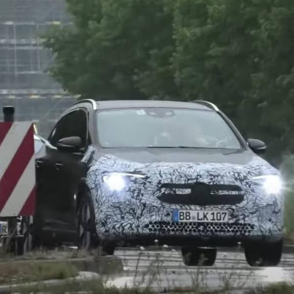 Mercedes-Benz 'Ketahuan' Uji Coba EQA