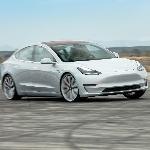 Tesla Bikin Mobilnya Mengeluarkan Bunyi Mesin?