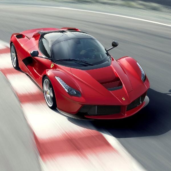 Sebastian Vettel Menjual F50, Enzo, dan LaFerrari Miliknya