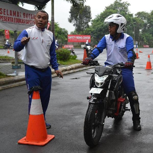 Sertifikasi Instruktur Safety Riding Honda Indonesia
