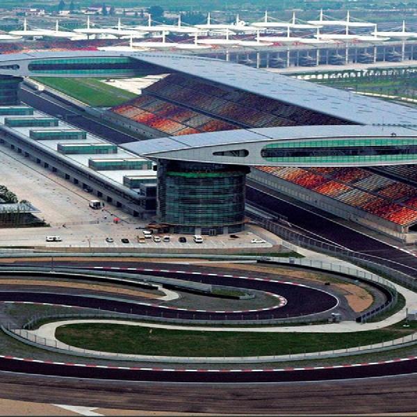 F1 GP Shanghai: Akrab dengan Hamilton, Berat untuk Vettel