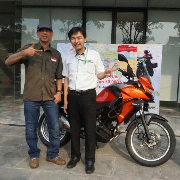 Kawasaki Serah Terimakan Versys-X 250 Untuk Solo Riding Jakarta - London