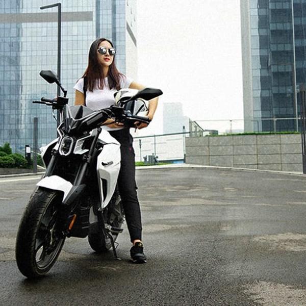 White Ghost Motor Electric Berdaya 13,4 hp dari China