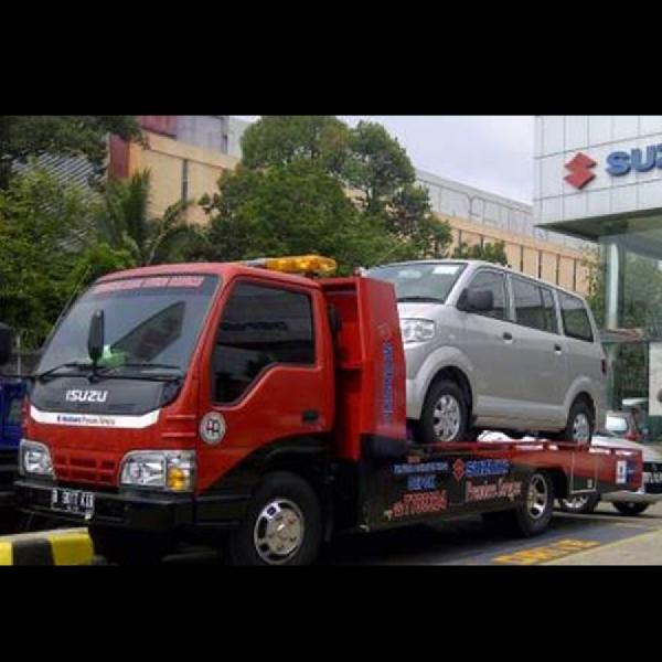 Peduli Konsumen Suzuki Tawarkan Towing Gratis dan Layanan Lainnya untuk   Korban Banjir