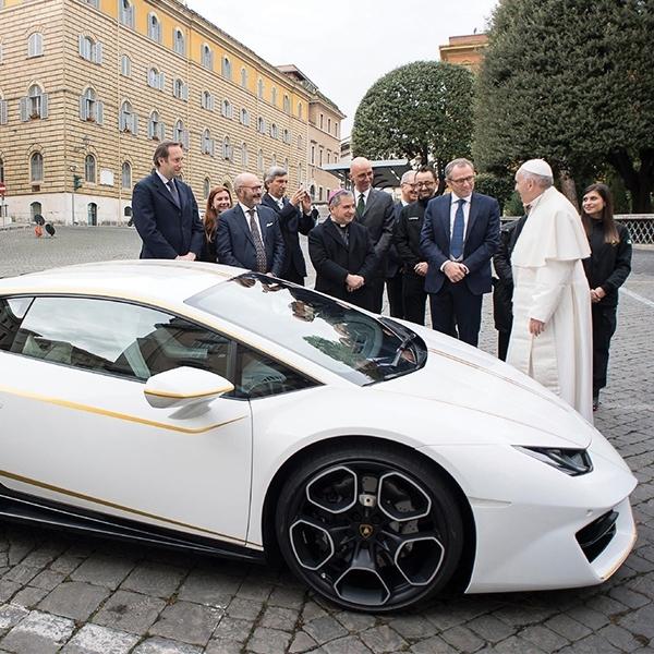 Lamborghini Milik Paus Fransiskus Siap Dilelang!