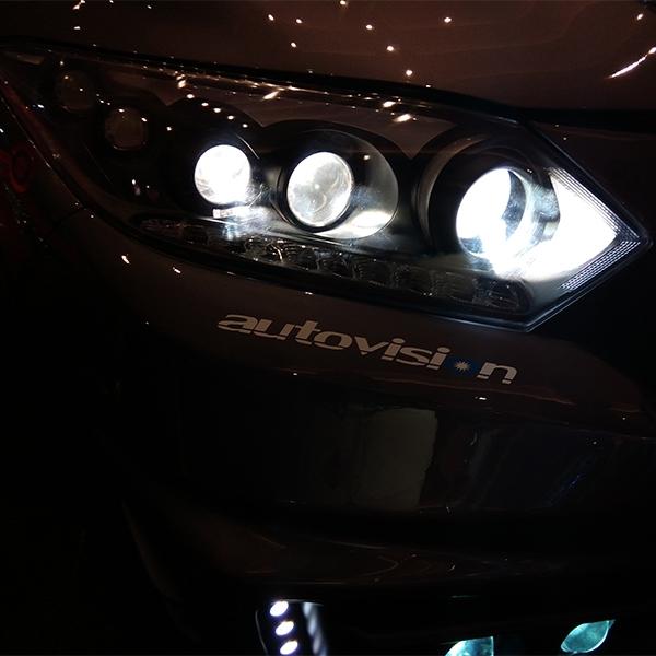 Autovision Suguhkan Beraneka Lampu Mobil di IIMS 2018