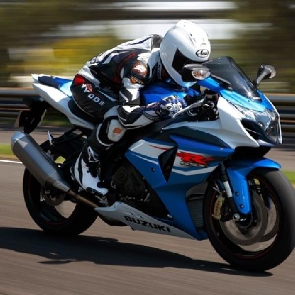 Kampanye Safety Riding Melalui Touring Bersama GSX 150