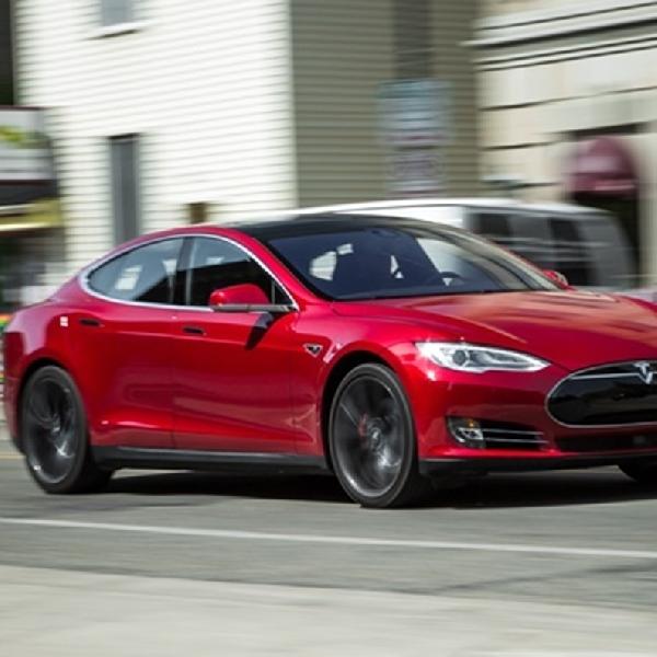 Tesla Menarik 123.000 Unit Model S