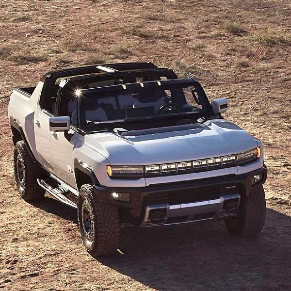Tanpa Lihat Persaingan, GMC Hummer EV Terus Dikembangkan