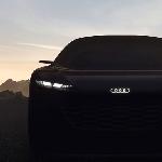 Teaser Konsep Audi New Grandsphere Pamerkan Lampu Depan yang Ramping