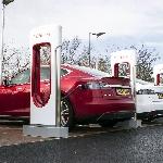 Hemat Biaya dan Memecah Antrian, Tesla Berikan Diskon SuperCharger