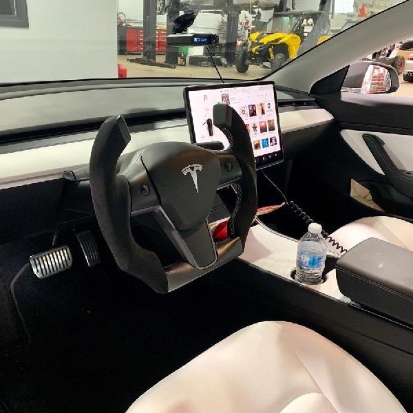 Setir Baru Tesla Model 3, Setuju?