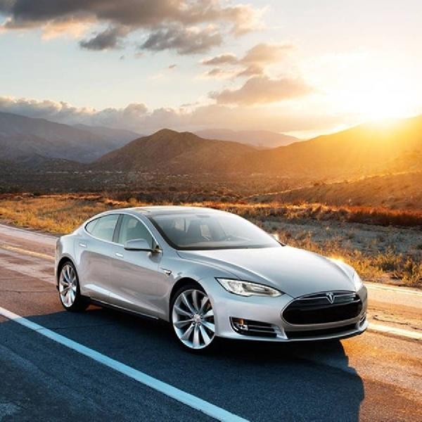 Elon Musk Umumkan Produk Tesla Terbaru