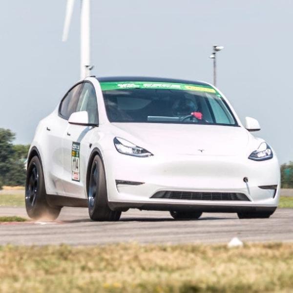 Tesla Model Y Sukses Kalahkan Sport Car Sekelas Porsche
