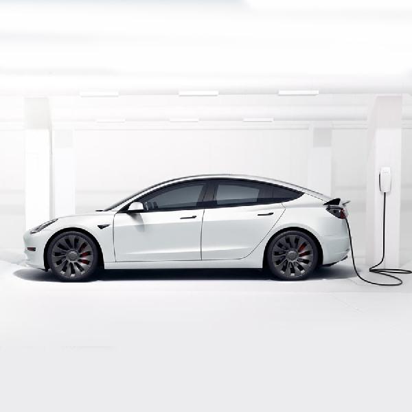 Tesla Perbaiki Masalah Terbesar Model 3