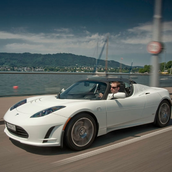 Elon Musk Mengkonfirmasi Kehadiran New Roadster Sport