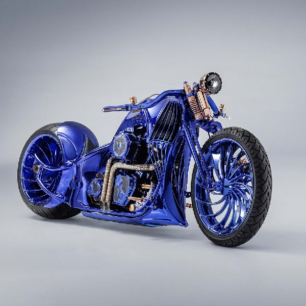 Modifikasi Harley Davidson Blue Edition X Carl Bucherer,  Estetika, Craftmanship dan Luxury
