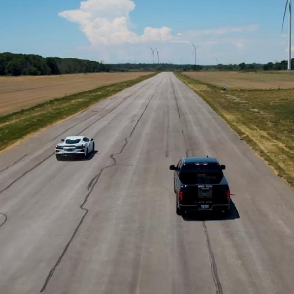 Corvette C8 dan Shelby Super Snake Duel Drag, Siapa Juaranya?