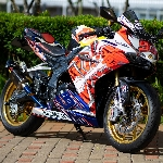 Honda CBR250RR, Racing Style dengan Decal X-Spirit Marquez