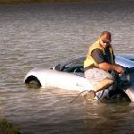 Pria Ini Ceburkan Bugatti Veyron ke Danau Demi Tipu Perusahaan Asuransi