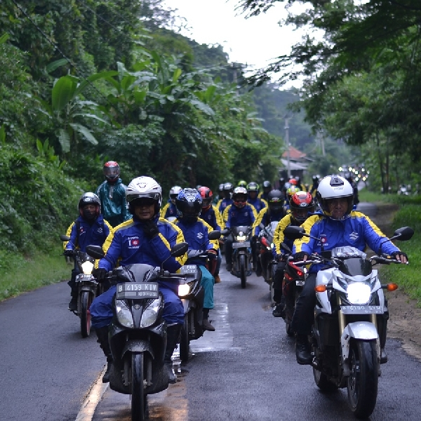 Suzuki Laksanakan Touring Akbar