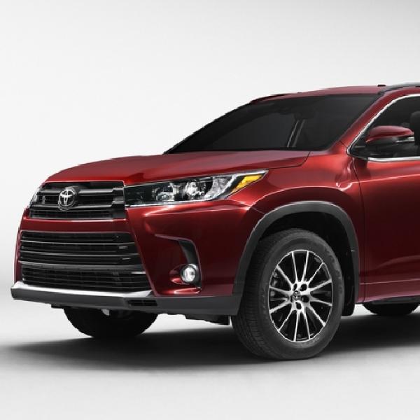 Toyota Highlander Akan Datang dengan Wajah Baru
