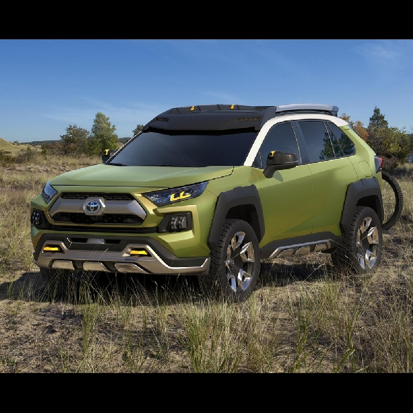 Toyota Rancang FT-AC Siap Selfie Dalam Kondisi Apapun
