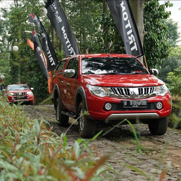 Mitsubishi Edukasi Pengguna Triton Berkendara Aman dan Nyaman di Medan Off-Road