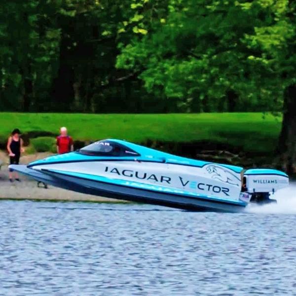 Jaguar Bikin Speed Boat Tercepat di Dunia