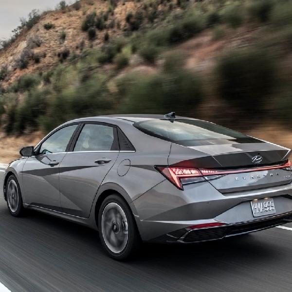 Ulasan Hyundai Elantra 2021: Tajam dan Berteknologi Tinggi