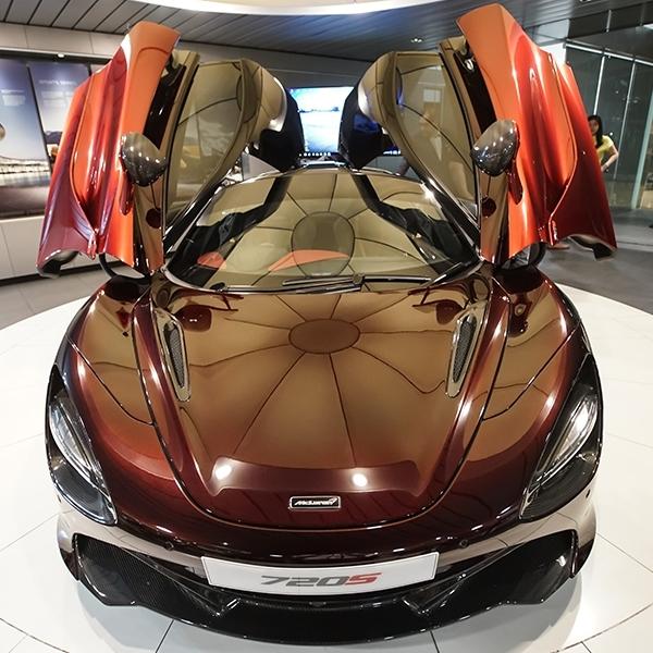 McLaren Jakarta Merilis 720S Velocity