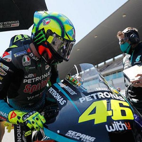 MotoGP: Valentino Rossi Tak Tertarik Mengambil Jalan Seperti Maverick Vinales