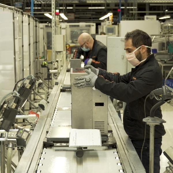 Perangi Virus Korona, Pabrik SEAT Produksi Ventilator