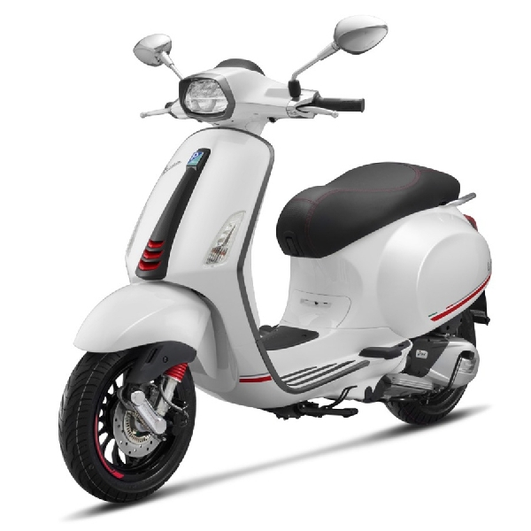 Vespa Sprint Carbon 2019 Edisi Terbatas, More Sporty and Luxury