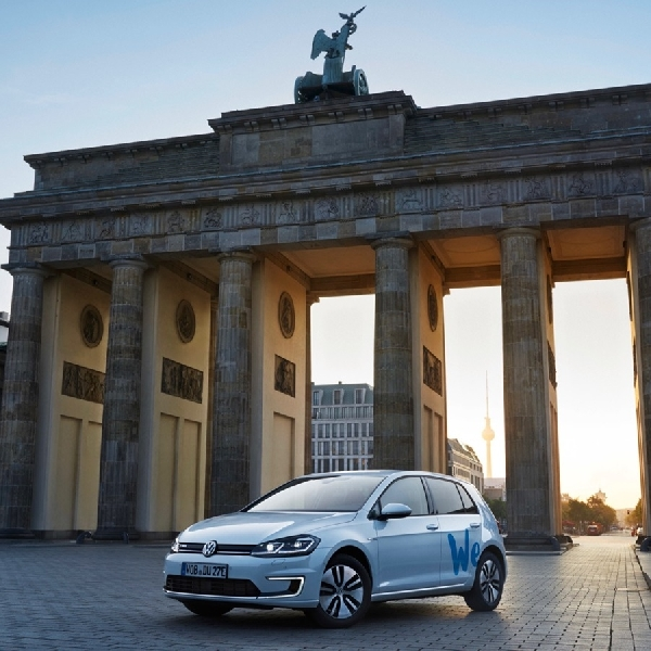 "VW  Luncurkan Car Sharing ""We Share"""