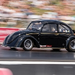 VW Beetle Listrik Juara Drag, 400 Meter Hanya 8 Detik