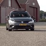 VW Golf R Taklukkan Performa Tesla Model 3 dalam Sprint 400 Meter