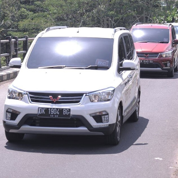Wuling Raih Dua Penghargaan di Indonesian Car of The Year 2018
