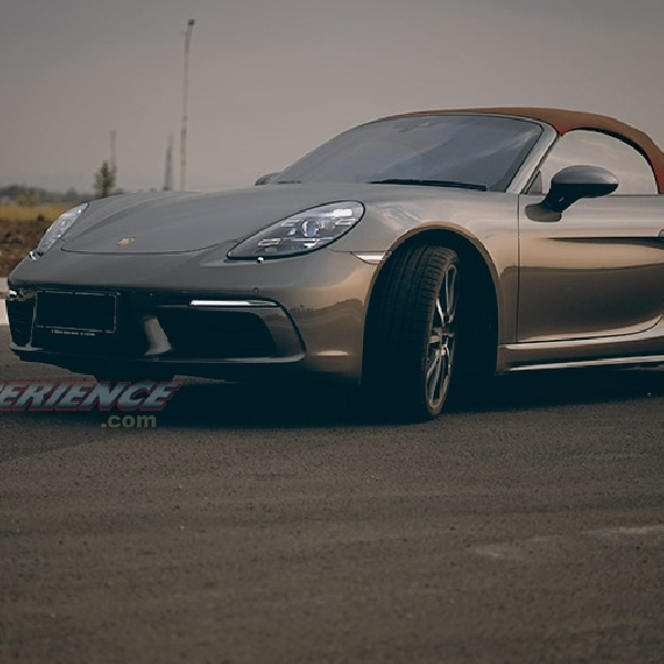 Porsche 718 Boxster S - Less Means More
