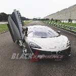McLaren 570S, Sports Cars Slayer!