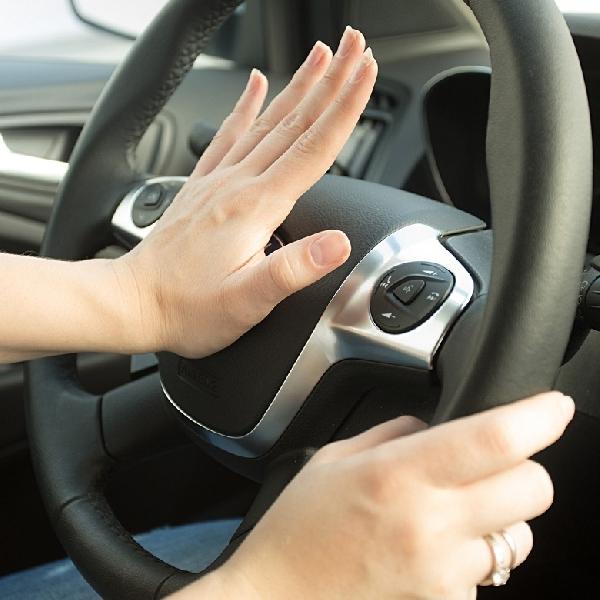 Klakson Mobil Tidak Berfungsi? Simak Cara Memperbaikinya