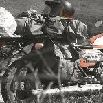 Bagaimana Cara Membawa Banyak Barang di Atas Sepeda Motor