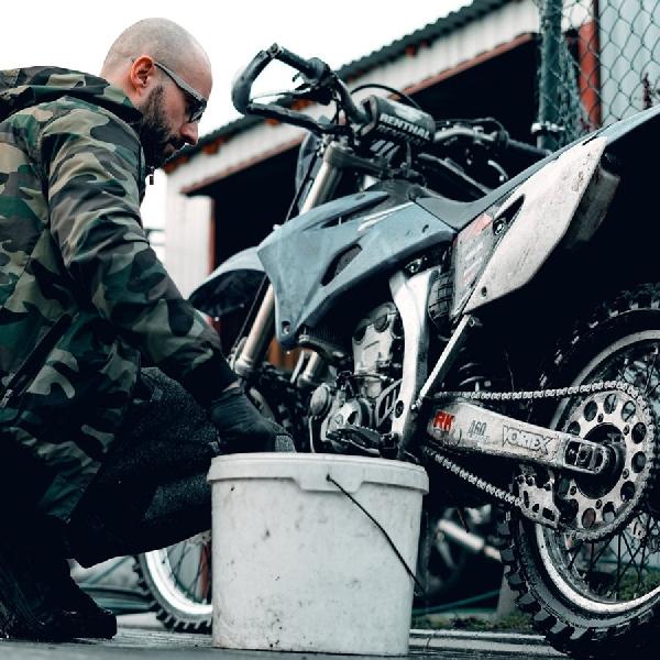 Persiapkan Beberapa Hal ini Saat Hendak Mencuci Sepeda Motor