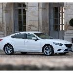 Cara Mudah Membuat Mobil Berwarna Putih Selalu Berkilau