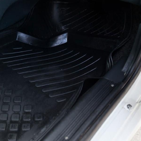 Ini Fungsi Karpet Kabin Mobil Sebenarnya