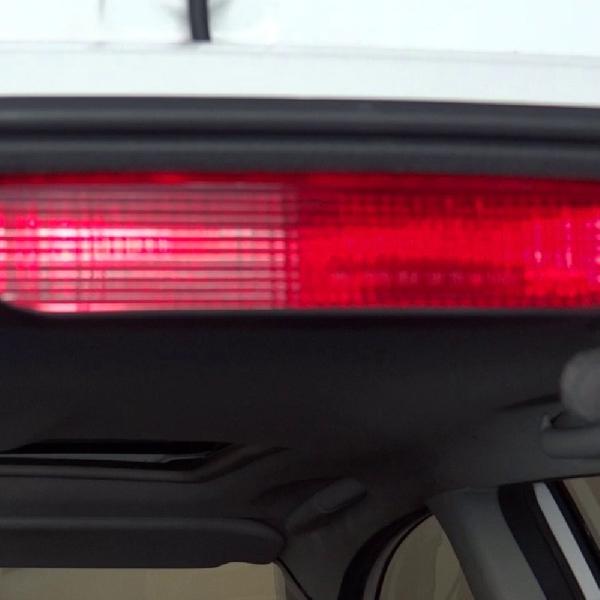 Pentingnya Lampu Ketiga pada Mobil