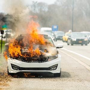 3 Penyebab Kendaraan Bisa Terbakar Sendiri yang Perlu Diwaspadai